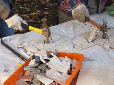 dkim308_tiled-table-smash-tiles_s4x3_lead